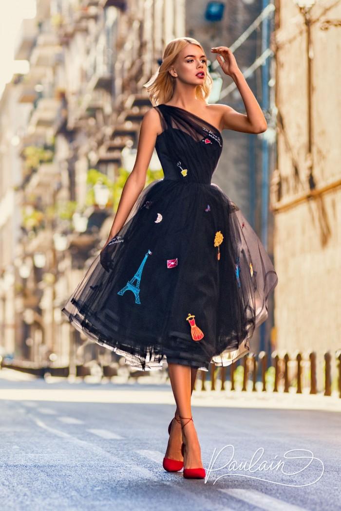 Дизайнерское платье украшенное яркими вышивками - ПАРИЖ | Paulain