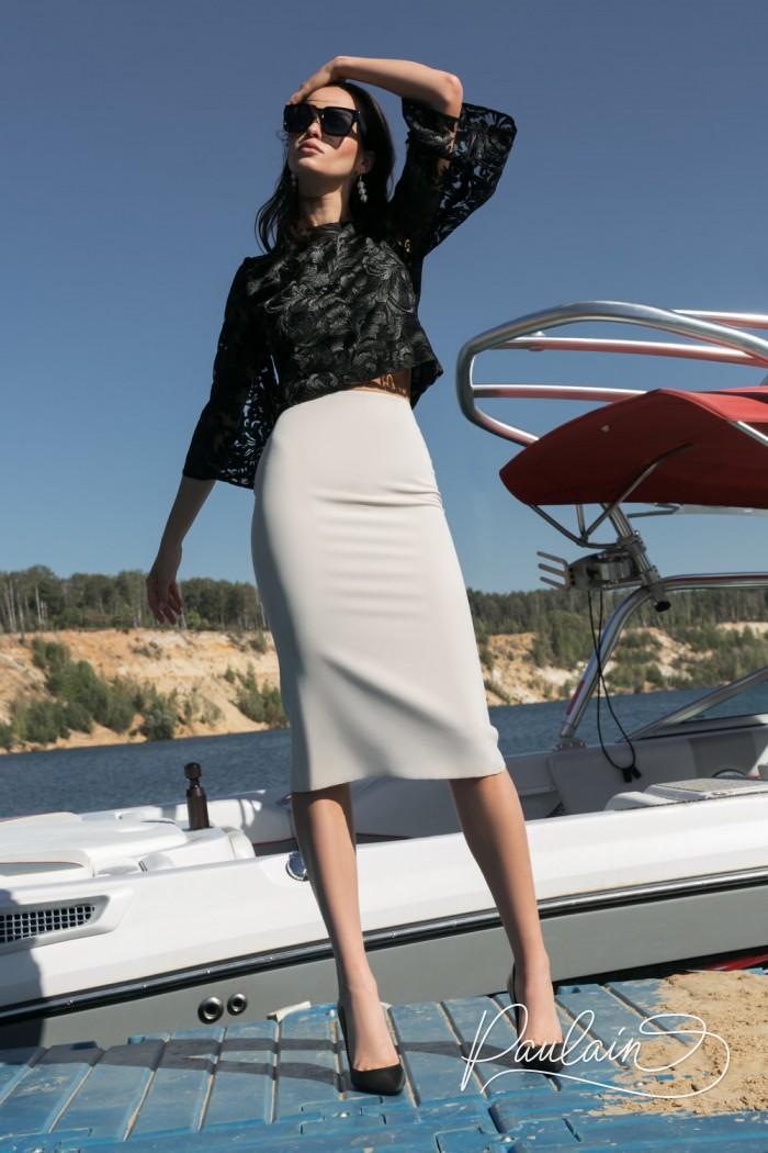 Лаконичный и грациозный вечерний наряд - атласная юбка с кружевной блузой - АВАДА | Paulain