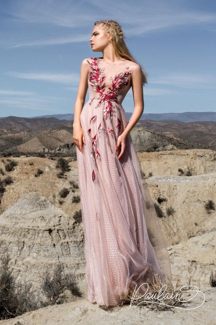 Нежное платье пудрового цвета с фантазийным декором - ЦВЕТОК ПУСТЫНИ | Paulain