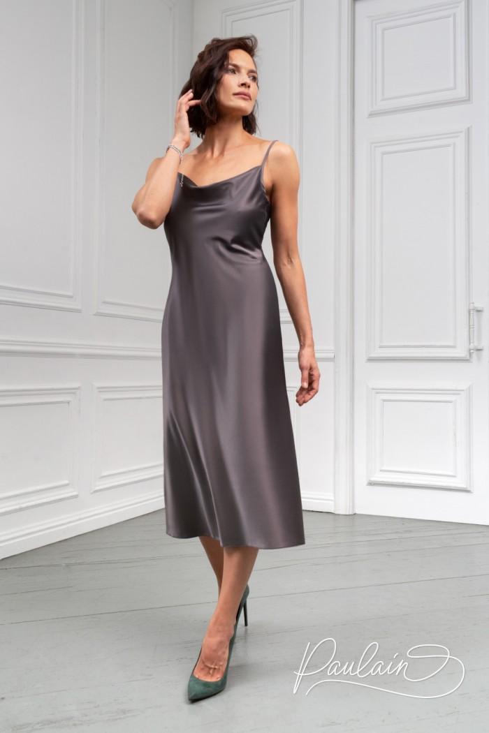 Коктейльное платье длины миди из тонкого атласа на тонких бретелях - БОНИ | Paulain