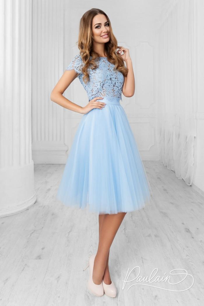 Нежно голубое и изящное платье с короткой юбкой и кружевным топом - АУРА & ЛИЛИ | Paulain