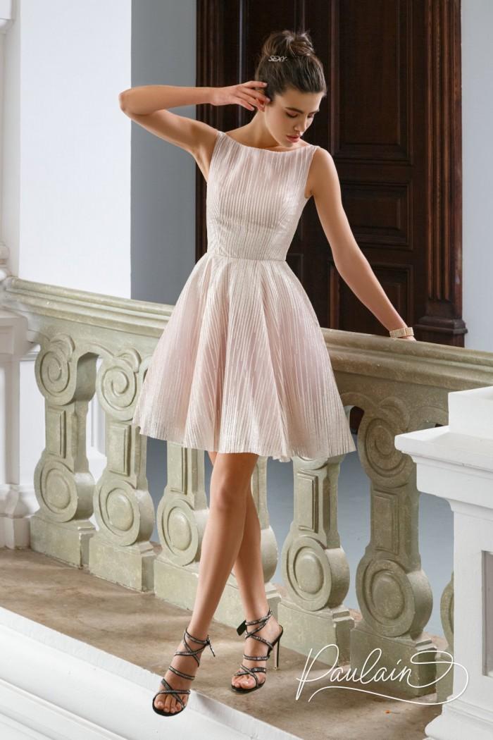 Элегантное сверкающем платье из глиттерной ткани с короткой пышной юбкой - БРУК | Paulain