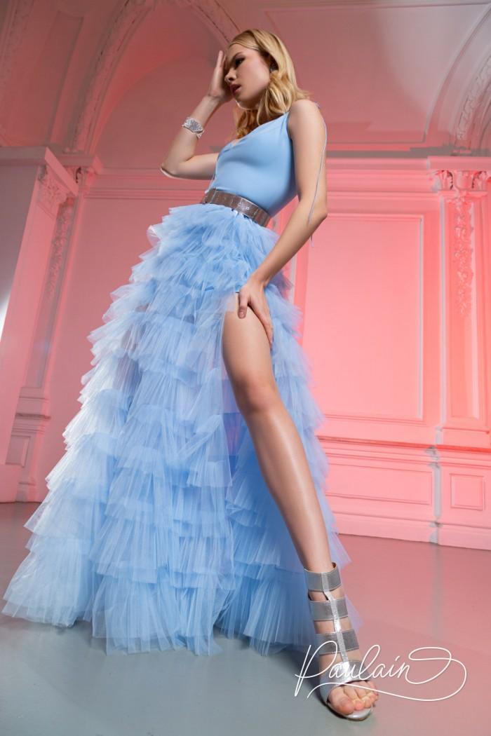 Пышное вечернее платье с глубоким декольте и высоким разрезом - КИМ Макси | Paulain