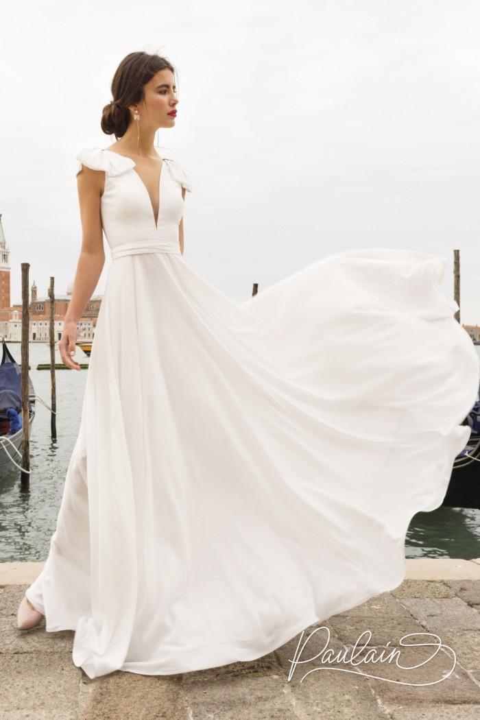 Легкое платье из струящейся ткани с декольте и длинной юбкой - АССОЛЬ | Paulain