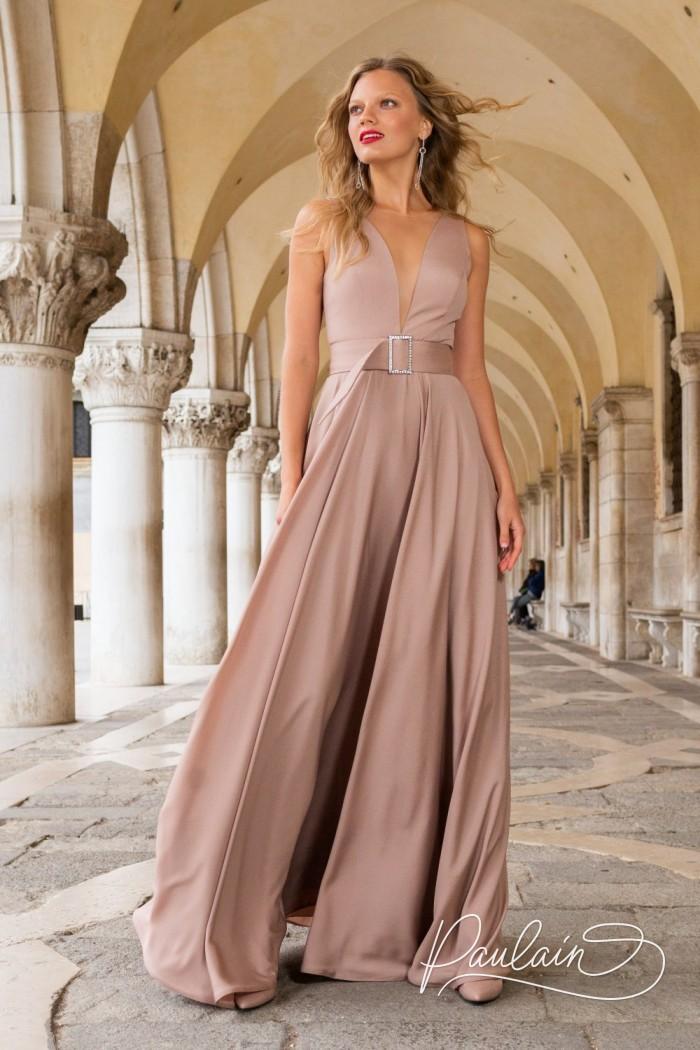 Длинное вечернее платье из крепа с V-образным декольте и поясом - АВА | Paulain
