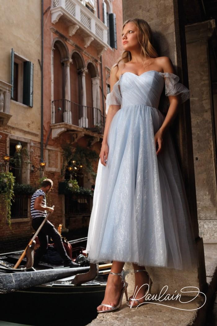 Нежное вечернее платье из полупрозрачной ткани с блеском и спущенными плечами - БЕАТРИЧЕ | Paulain