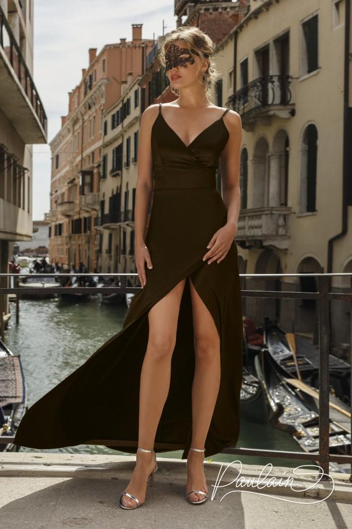 Изысканное открытое вечернее платье на бретелях с разрезом спереди - РОУЗ | Paulain